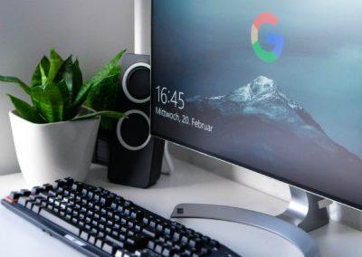 desk desktop computer